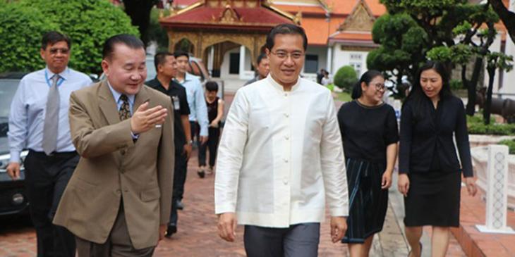 Thai Tourism Minister visits Japanese Art exhibition in Bangkok